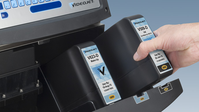 Videojet Continuous Inkjet Inserting Ink Cartridge