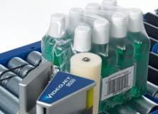 Наклеивание этикетки аппликатором на вторичную упаковку